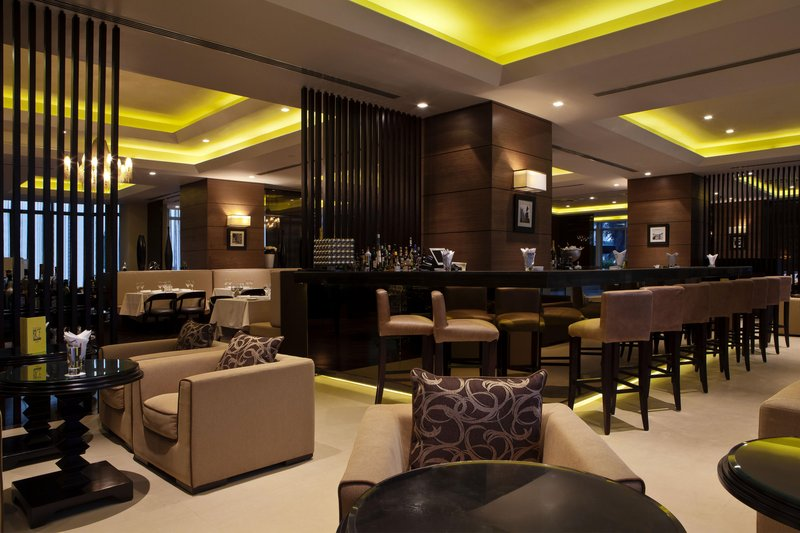 Hilton Dubai The Walk. Gastronomi