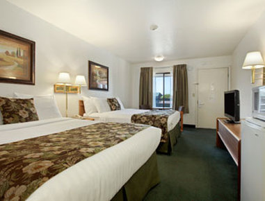 Super 8 Fort Bragg - Standard Two Queen Bed Room