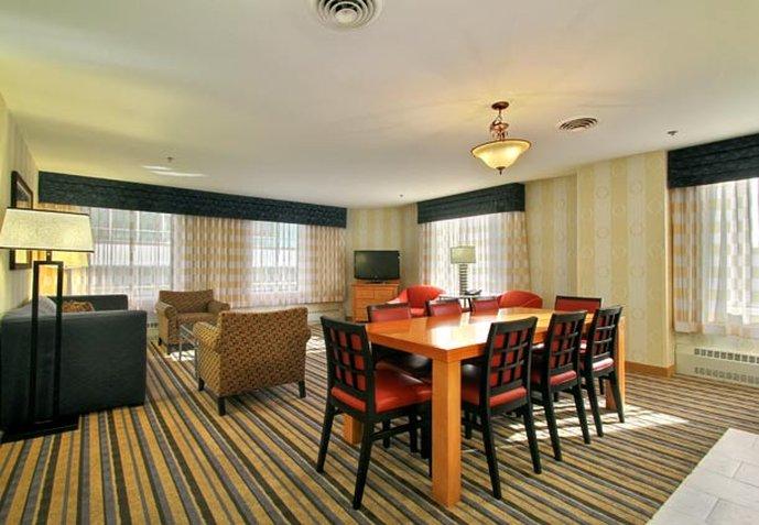 Renaissance Des Moines Savery Hotel Вид в номере
