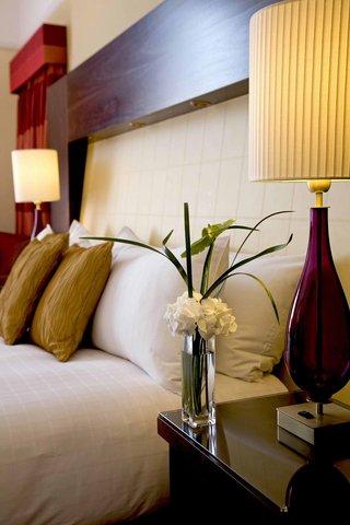 Hilton Brighton Metropole - King Hilton Guest Room