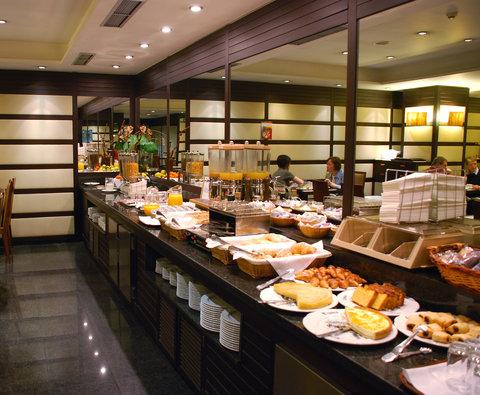 BEST WESTERN Hotel Conde Duque - Buffet Breakfast Area