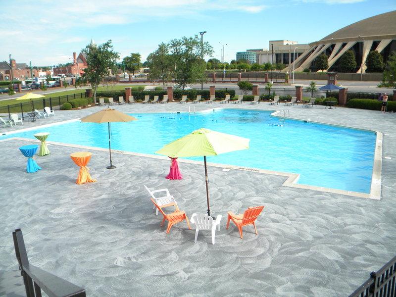 Crowne Plaza Hotel Norfolk - Norfolk, VA