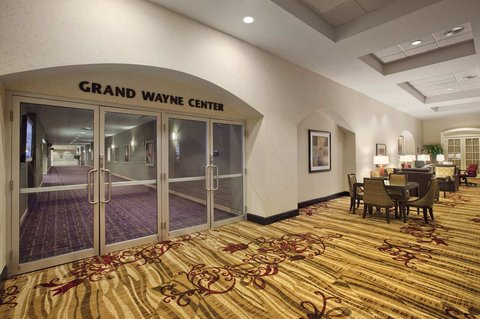 Hilton Fort Wayne at the Grand Wayne Convention Center - Connecting Walkway to GWCC