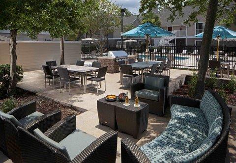 Residence Inn by Marriott Jacksonville Baymeadows - Outdoor Patio
