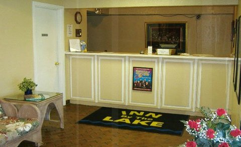 Econo Lodge Inn & Suites Gilbertsville - Reception Area