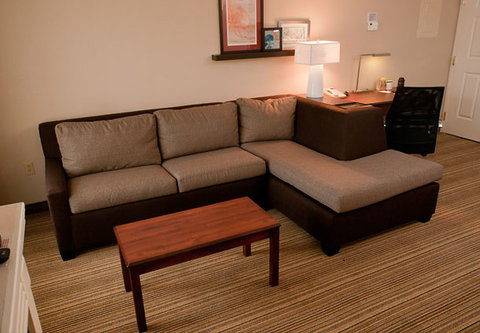 Residence Inn Marriott Erie - Suite Living Area
