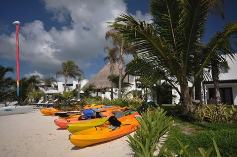 Las Terrazas Resort and Residences - Complimentary Kayaks