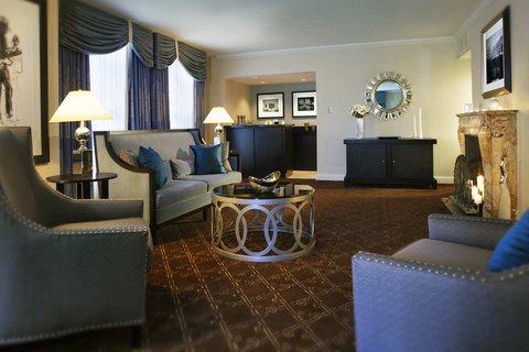 ذا بالمر هاوس هيلتون - Suite Living Room