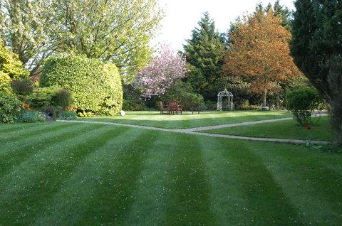 Duxford Lodge Hotel - Gardens