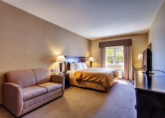 Hotel.de - Hotel Comfort Suites Freeport