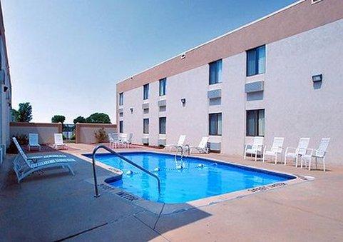 Comfort Inn South Billede af pool