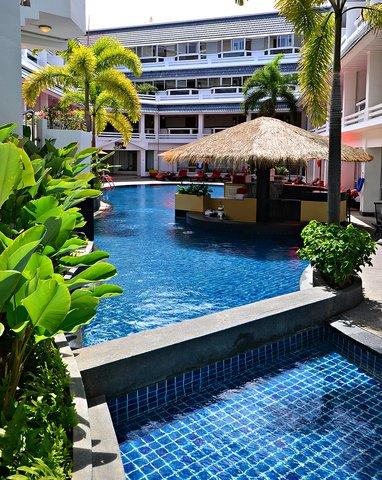 Destination Patong Hotel and Spa - Pool Bar