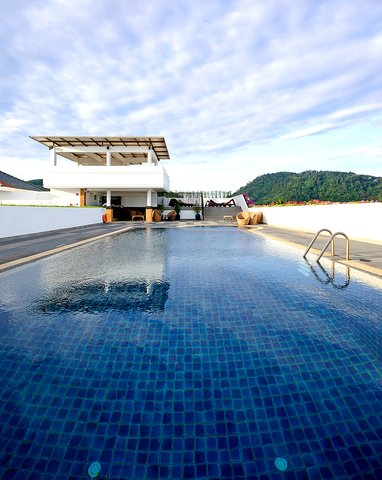 Destination Patong Hotel and Spa - Pool Roof Top