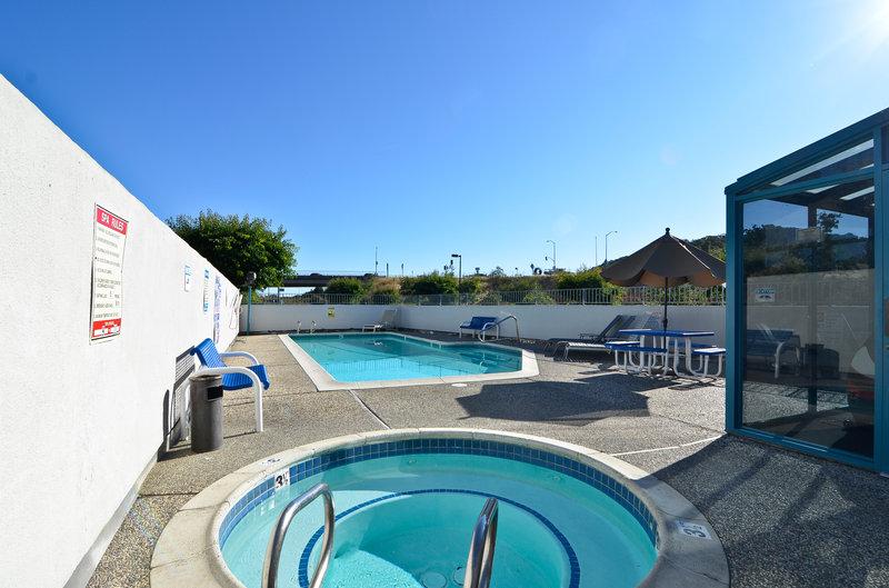 Americas Best Value Inn - Novato, CA