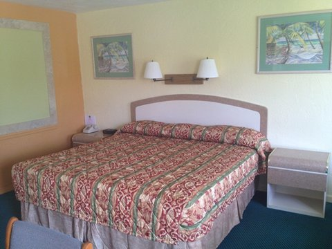 Scottish Inns Daytona Beach - Scottish Inn Dayton Beach FL  1 King Non Smk