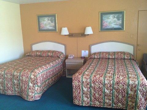 Scottish Inns Daytona Beach - Scottish Inn Dayton Beach FL  2 Dbls
