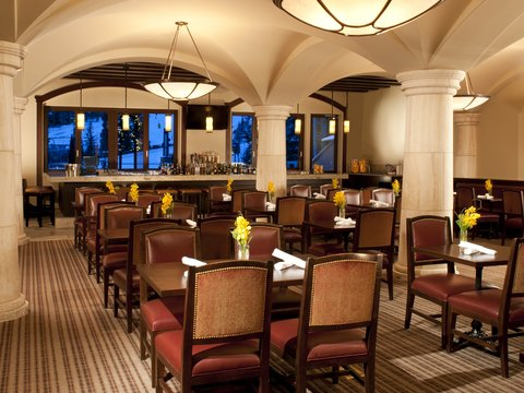 The Arrabelle at Vail Square - Tavern on the Square