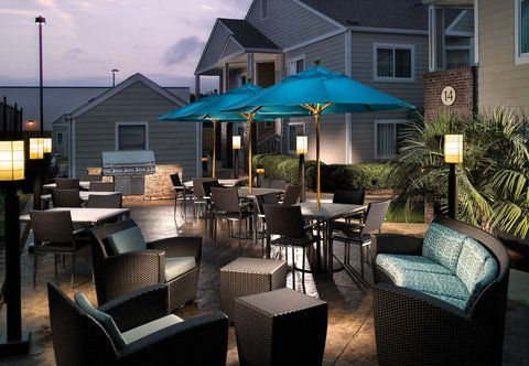 Residence Inn Montgomery - Outdoor Terrace
