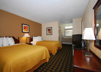 Quality Inn & Suites - Room