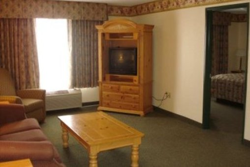 Country Inn & Suites Mason City - Mason City, IA