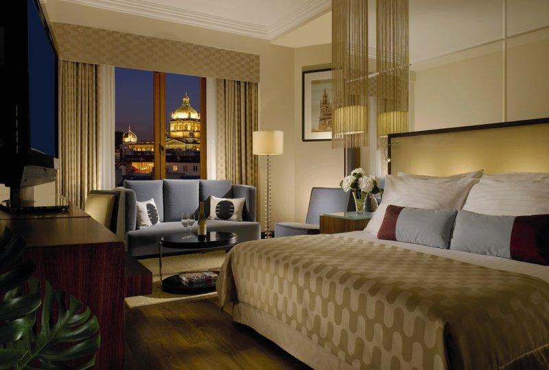 Radisson Blu Alcron Hotel Odanın görünümü