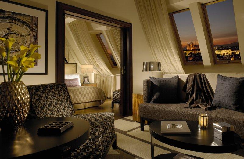 Radisson Blu Alcron Hotel Suit