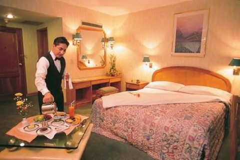 Hotel Diplomat - Guest Room