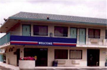 Motel 6 - Lost Hills, CA