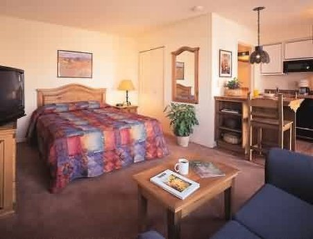 Santa Fe Suites