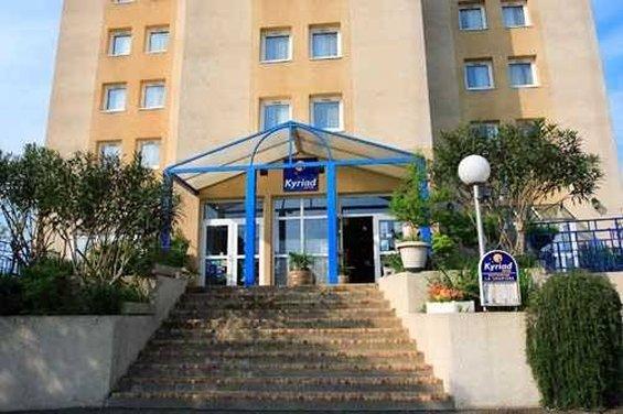 Logis Hotel le Relais Außenansicht