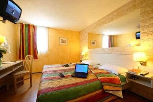 Logis Hotel le Relais Zimmeransicht