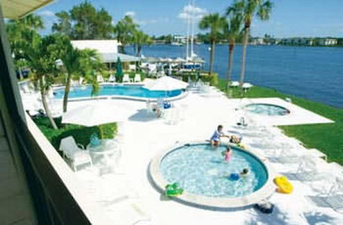 Charter Club Resort-Naples Bay - Naples, FL