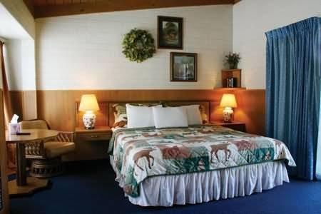 Sierra Lodge - Three Rivers, CA