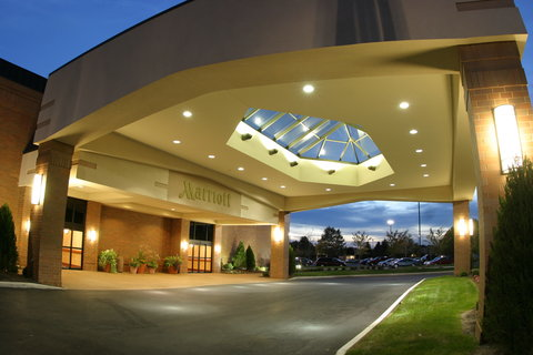 Columbus Airport Marriott - Exterior