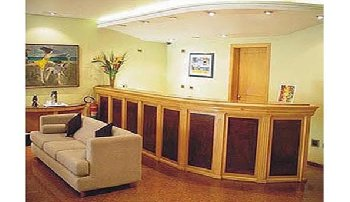 London Class & Comfort Suites - Lobby