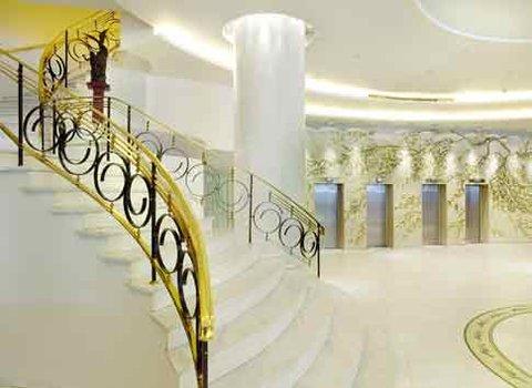 Titania Hotel - Lobby  stairs