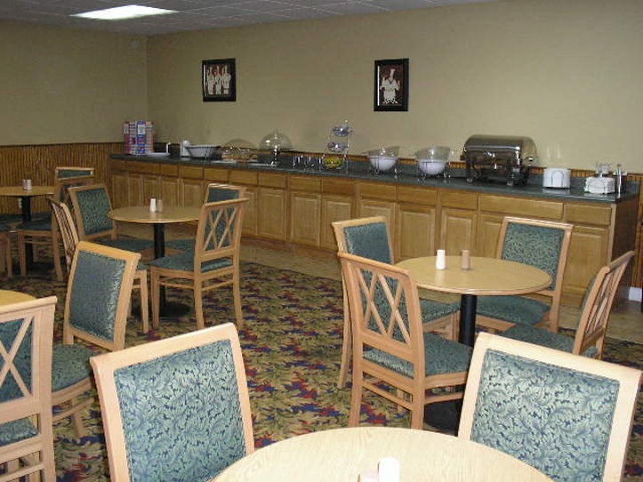 Guesthouse Inn And Suites - Knoxville, TN