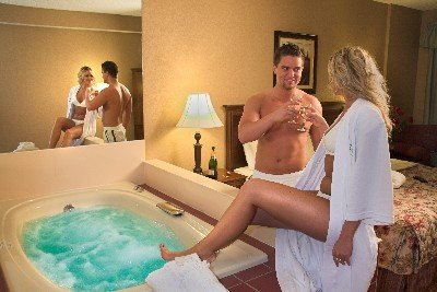 Grand Oaks Hotel - Branson, MO