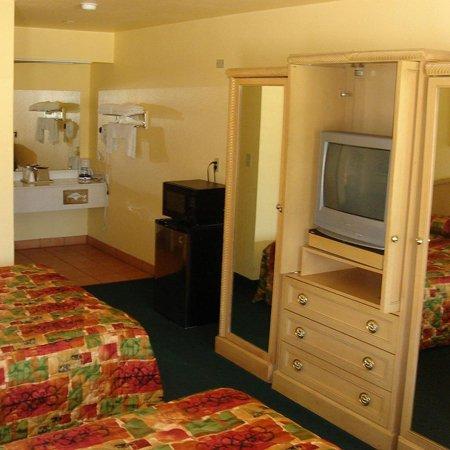 Hondo Executive Inn - Hondo, TX