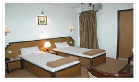 La Sapphire Hotel - Room