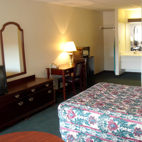 German Village Inn - Guest Room