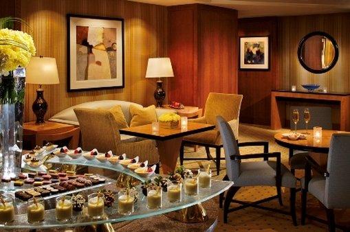 The Ritz-Carlton Westchester バー/ラウンジ