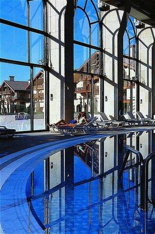 玛加尔黎巴嫩青山温泉度假洲际酒店 - Pool View