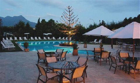 Del Lago Resort - Pool View
