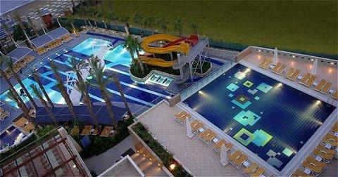 Riva Club N - Pool view