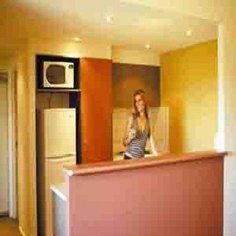 Quest Darwin - One Bedroom Kitchen