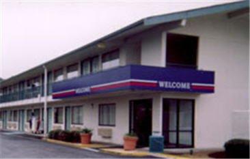 Motel 6 - Victoria, TX
