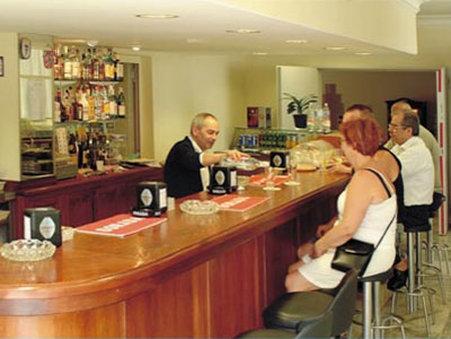 Apartamentos Be Smart Florida - Bar Lounge
