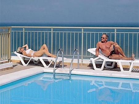 Apartamentos Be Smart Florida - Pool View