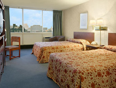 University Hotel and Suites - Guest Room
